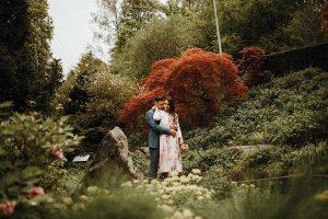 shooting di coppia con abiti corti da matrimonio