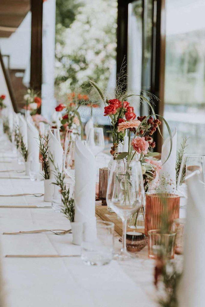 tavolo allestito per matrimonio villa maggi ponti